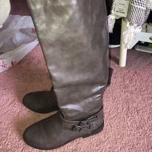 Shoes - Tall Gray Boots! Like new!